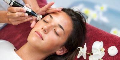 Hasil gambar untuk Melakukan Treatment Kecantikan