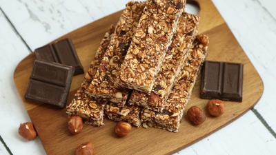 """Yuk Coba Membuat Snack Sehat dan Lezat, """"Granola Bar"""" di Rumah!"""