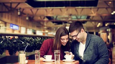 Hiasi Feed Instagram dengan Mengabadikan Momen Romantis di 5 Tempat Makan Bandung Ini!