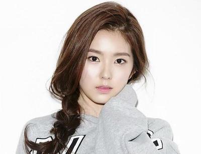 5 Langkah Mudah untuk Mendapatkan Kulit Dewy dan Glowing Seperti Wanita Korea