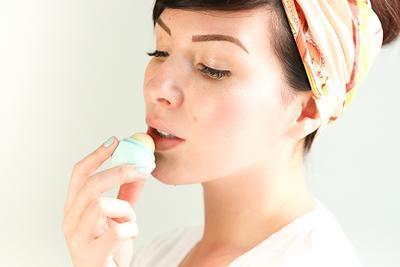Ketagihan Pakai Lip Balm? Inilah Alasannya dan Efek Jangka Panjang yang Akan Kamu Rasakan