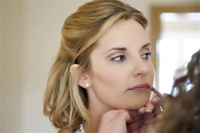 5 Tips ala MUA untuk Tampilan Lipstik Matte yang Sempurna
