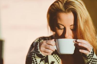Atasi Bau Ketiak Menyengat Secara Alami dengan 6 Minuman Tradisional Ini