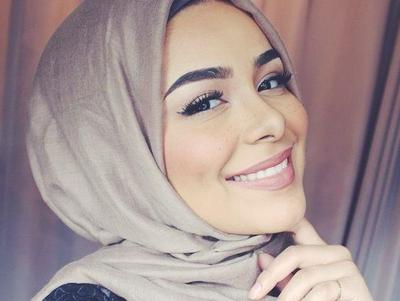 Tips Makeup Natural Wanita Berhijab Untuk Pergi Ke Kantor