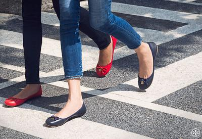 Pakailah Flat Shoes yang Tidak Terlalu Tipis