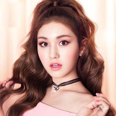 Yuk Intip Tips Korean Makeup Look Spring 2017 dari MUA Selebritis Drama Korea Berikut Ini!
