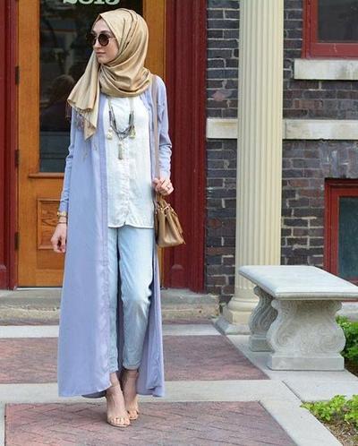 Padu Padankan Celana Jeansmu dengan Long Cardigan