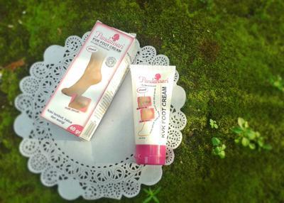 Skin Care Lokal Murah yang Ampuh Atasi Kulit Kaki Kering dan Pecah-Pecah