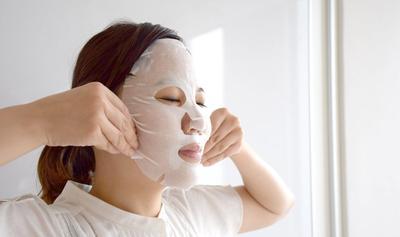 Tanpa Perlu Beli Serum Mahal, Inilah Hasil Yang Didapatkan Dari Memakai Sheet Mask Tiap Hari