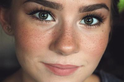 Tampil Imut Dengan Freckles! Ini Dia Cara Membuat Fake Freckles Natural Pada Wajah!