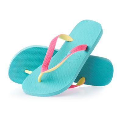 Ladies, Jangan Memakai Sepatu Jenis Ini Ketika Hendak Pakai Legging!