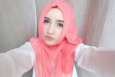 Tips Memilih Warna Hijab Yang Sesuai Dengan Warna Kulit Supaya Tidak