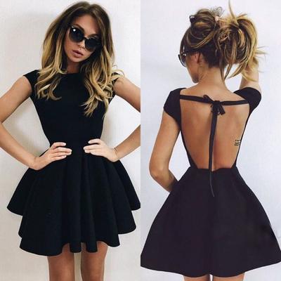 Ini Dia Pilihan Bra yang Paling Tepat Jika Ingin Mengenakan Dress dengan Punggung Terbuka!