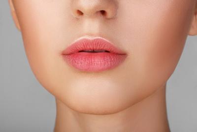 5 Hal Ini Wajib Kamu Coba untuk Mendapatkan Bibir Pink Lembut Alami