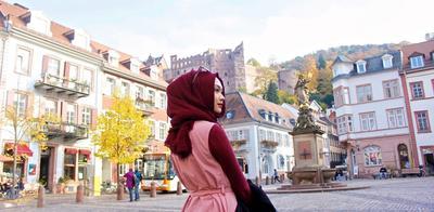 5 Tips Hijab Simple Namun Trendy untuk Kamu yang Ingin Terlihat Cantik Saat Traveling