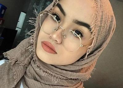 Simak Tips Ini untuk Tahu Model Hijab Mana yang Paling Cocok dengan Bentuk Wajahmu!
