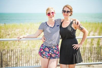 7 Rekomendasi Pakaian Paling Nyaman dan Stylish untuk Berlibur Ke Pantai