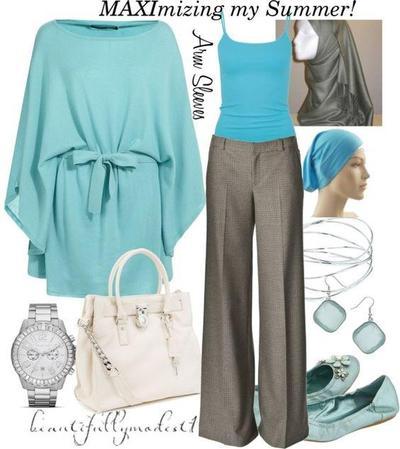 Kombinasi Style Hijab Biru dan Abu-Abu