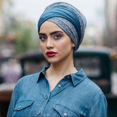 4 Tips Turban untuk Bentuk Wajah Persegi Agar Tampil Cantik Maksimal