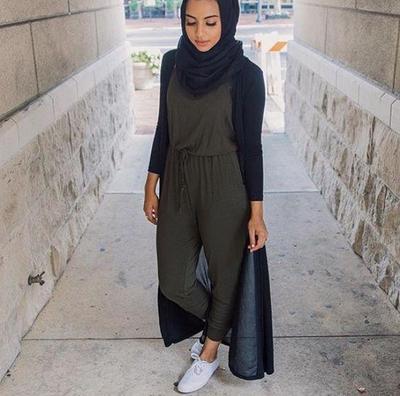 7 Tips Memadupadankan Gaya Jumpsuit Muslimah Yang Tepat Dan
