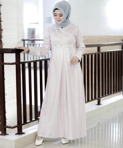 7 Inspirasi Gaun Muslim Untuk Kondangan Yang Simpel Dan Anggun Ala