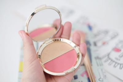 Ternyata, Ini Dia 3 Highlighter Rekomendasi Beauty Blogger! Mau Coba?