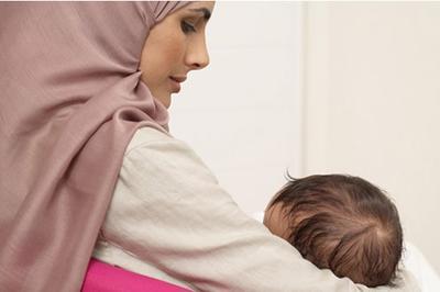 5 Tips Memilih Baju Muslim yang Nyaman dan Modis untuk Ibu Menyusui