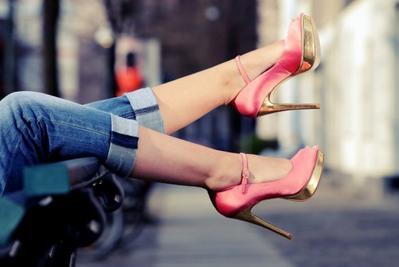 Buat Para Pemula, Ini Dia Tips Memakai High Heels dengan Anggun!