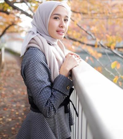 Tampil Stylish Dengan Gaya Hijab Minimalis Ala Laudya Cynthia Bella