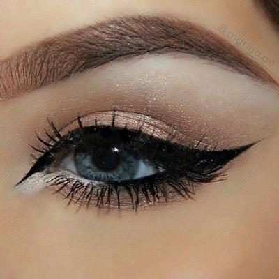 Buat Pemula, Ikuti Tutorial Ini untuk Mengaplikasikan Eyeliner Dengan Mudah!