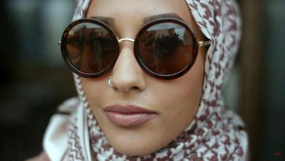 Hijabers, Ini 5 Model Kacamata Kekinian yang Akan Membuat Fashionmu Makin Keren!