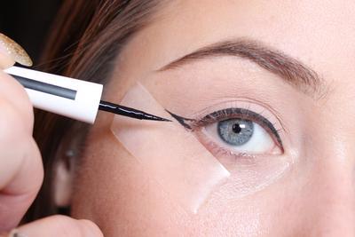4 Tutorial Eyeliner Simple yang Harus Kamu Coba