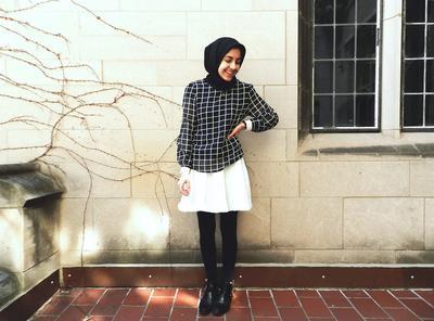 Tampil Tetap Sopan, Ini Dia Tips Padu Padan Legging Untuk Hijabers Ini Wajib Kamu Coba!