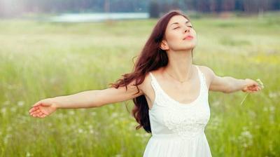 Cara Memutihkan Kulit dengan Kebiasaan Baik dan Bahan Alami Ini