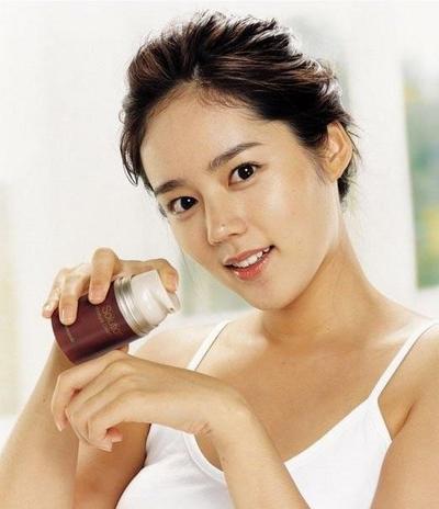 8 Langkah Dasar dan Praktis Menggunakan Make Up pada Wajah yang Harus Kamu Terapkan