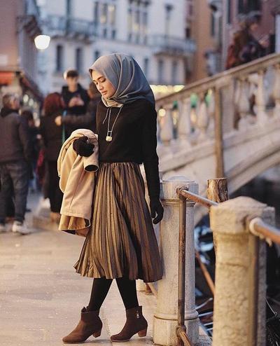 4 Tips Mix And Match Baju Muslim Dengan Legging Untuk Tampil Modis