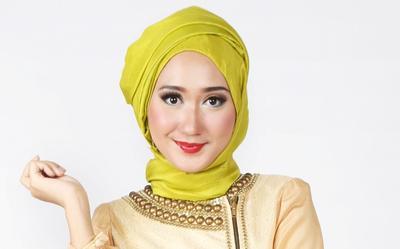 Yuk, Tampil Cantik di Hari Fitri dengan Style Baju Lebaran ala Dian Pelangi!