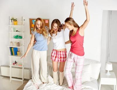 Ini Dia 4 Cara Membuat Sleepover Menyenangkan dan Enggak Garing Lagi!