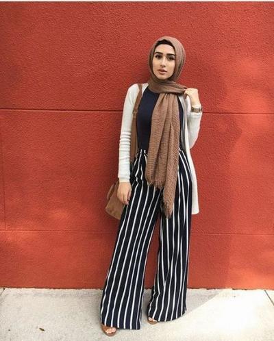 Tips Bergaya Vintage Dengan Mix And Match Warna Hijab Cokelat