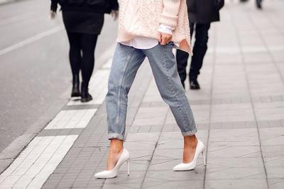 5 Jenis Heels yang Cocok untuk Mempercantik Penampilan dengan Celana Jeans