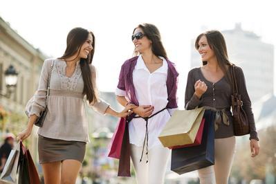 Ladies, 5 Tempat Belanja Baju Lebaran Termurah di Jakarta Ini Wajib Dikunjungi!