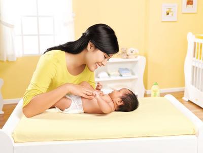 Ternyata Ini Manfaat Menakjubkan Pijat Pada Bayi dan Cara Mudah Melakukannya di Rumah
