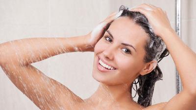 Pilih Shampoo yang Melembapkan