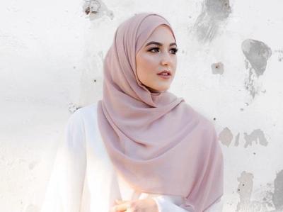 Psst, Ini Dia Tutorial Hijab Sifon untuk Pesta yang Bisa Kamu Ikuti!