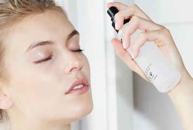 Inilah Rekomendasi Setting Spray Agar Riasanmu Lebih Tahan Lama!