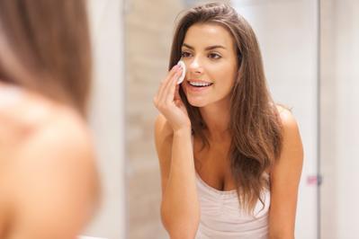 Rekomendasi Loose Powder untuk Kulit Remaja yang Ampuh Usir Minyak di Wajah