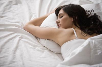 #FORUM Lebih baik tidur dengan bra atau melepasnya?