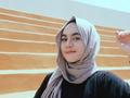 Cuma 5 Menit! Tutorial Hijab Pashmina Simple Ala Nabila Tarmuzi yang Akan Membuatmu Cantik!