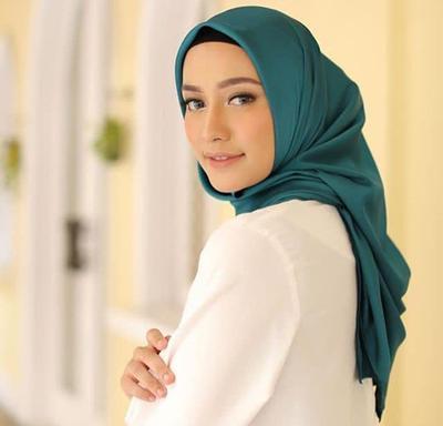3 Tutorial Hijab Simple untuk Para Hijabers Remaja