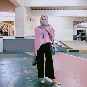 Yuk Tampil Cantik Dan Elegan Dengan Padu Padan Hijab Warna Abu Abu